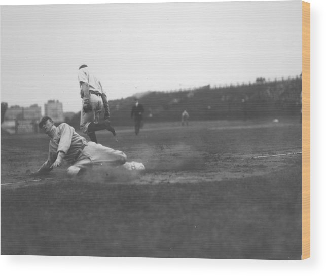 1910-1919 Wood Print featuring the photograph Ty Cobb by Fpg