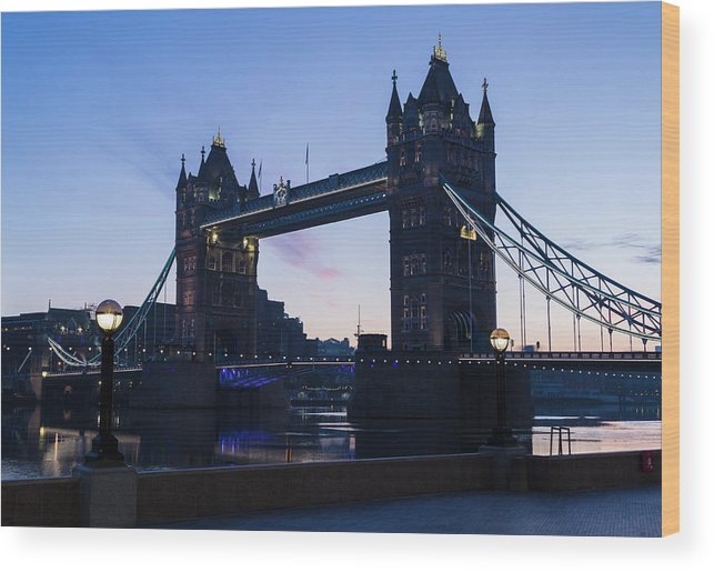 English Culture Wood Print featuring the photograph Tower Of London At Dawn by P A Thompson