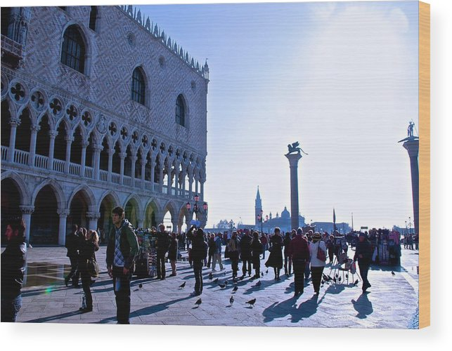 Doge's Palace Wood Print featuring the photograph Doge's Palace by Eric Tressler