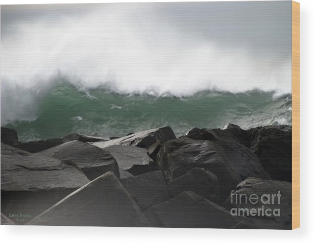Northwest Wood Print featuring the photograph Big Wave by Larry Keahey