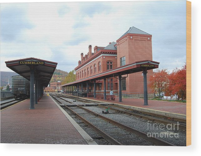 Historic Wood Print featuring the photograph Cumberland City station by Eric Liller