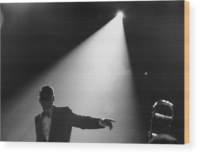 Singer Wood Print featuring the photograph Frank Sinatra On Stage by John Dominis