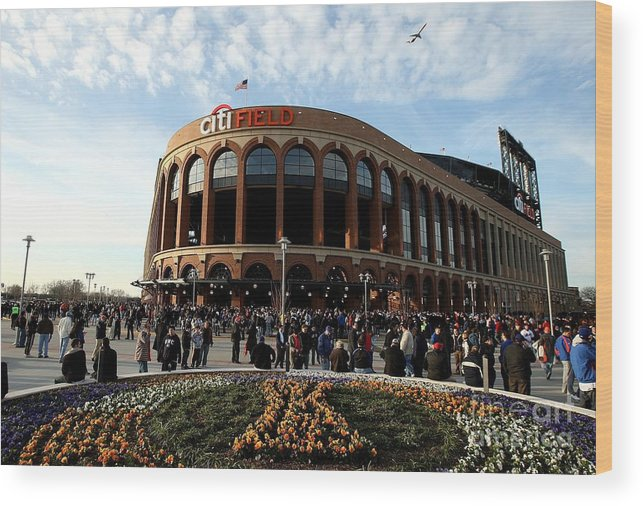 Residential District Wood Print featuring the photograph San Diego Padres V New York Mets by Ezra Shaw