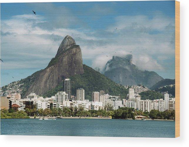 Majestic Wood Print featuring the photograph Lagoa Rodrigo De Freitas by Daniel Santacatalina