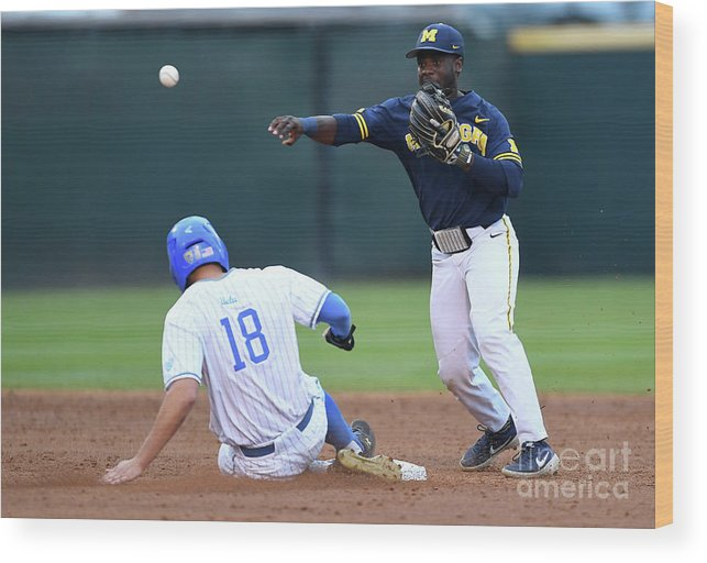 People Wood Print featuring the photograph Michigan V Ucla - Game One by Jayne Kamin-oncea