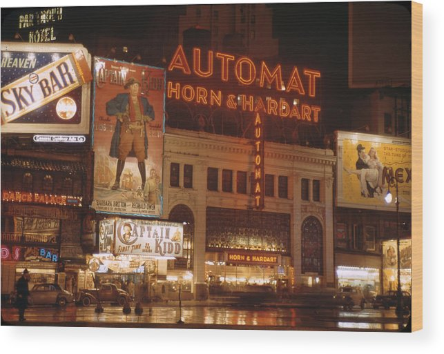 Timeincown Wood Print featuring the photograph New York by Andreas Feininger