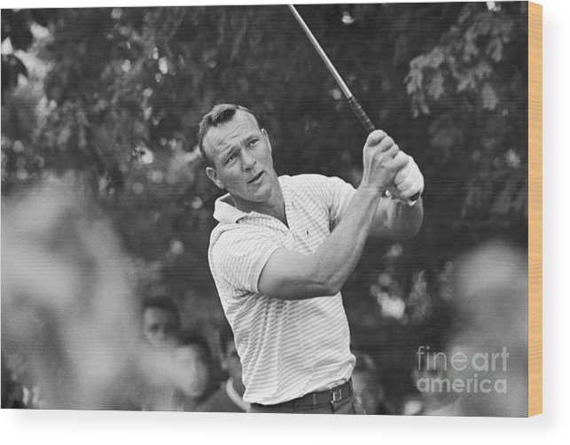 People Wood Print featuring the photograph Arnold Palmer Teeing by Bettmann