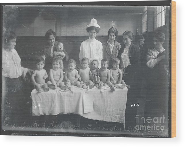 People Wood Print featuring the photograph Babies Entering Contest by Bettmann