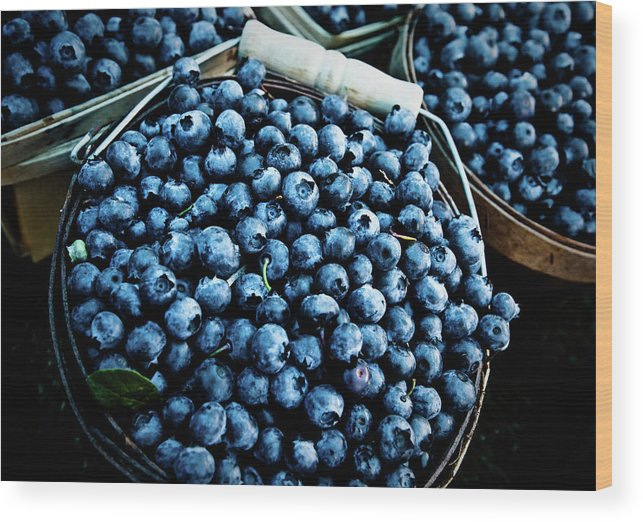 Heap Wood Print featuring the photograph Blueberries At Farmers Market by Richard Deming Photography