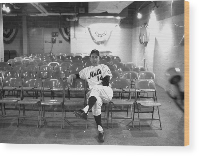 American League Baseball Wood Print featuring the photograph Gil Hodges Of The 1969 New York Mets by New York Daily News Archive