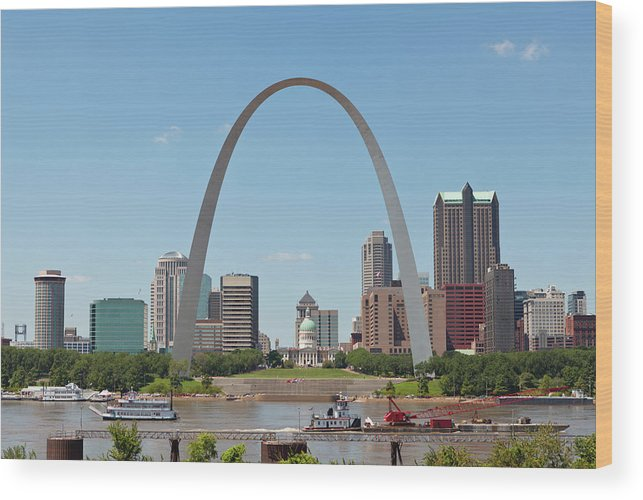 Built Structure Wood Print featuring the photograph St. Louis Skyline With The Gateway Arch by Kubrak78
