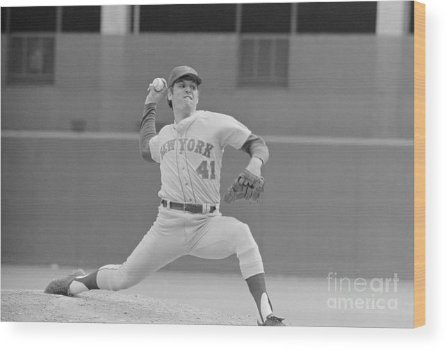 Tom Seaver Wood Print featuring the photograph Tom Seaver In Pitching Stance by Bettmann