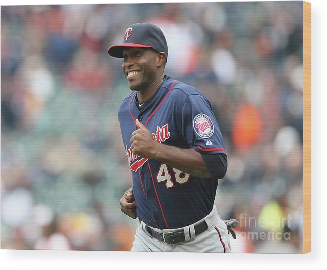 People Wood Print featuring the photograph Torii Hunter by Leon Halip