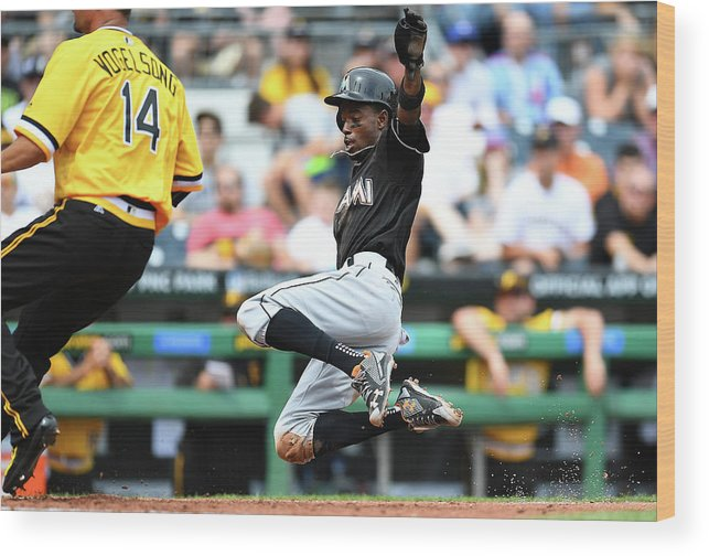 People Wood Print featuring the photograph Dee Gordon and Ryan Vogelsong by Joe Sargent