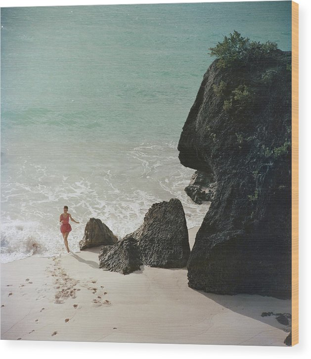 People Wood Print featuring the photograph Bermuda Beach by Slim Aarons