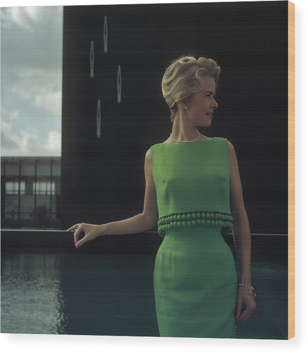 California Wood Print featuring the photograph Green Two-piece by Slim Aarons