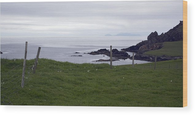 Sea Wood Print featuring the photograph Banna Minn by Steve Watson