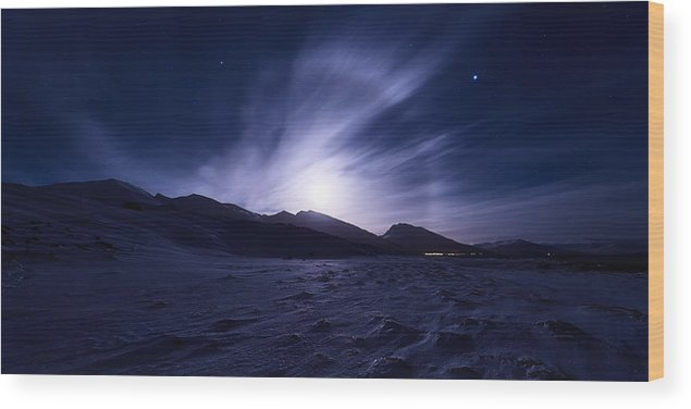 Halo Wood Print featuring the photograph Broken by Tor-Ivar Naess