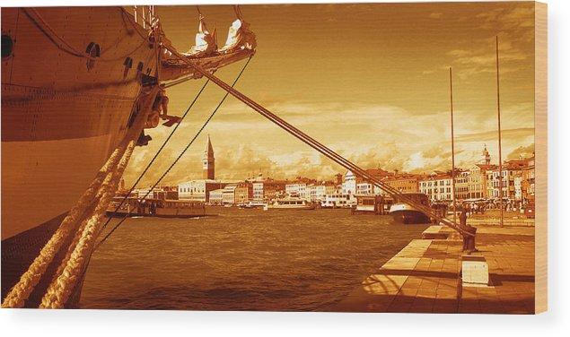 Venezia Wood Print featuring the photograph Venezia I by Rodika George