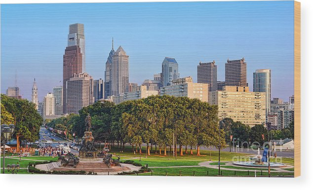 Downtown Wood Print featuring the photograph Downtown Philadelphia Skyline by Olivier Le Queinec