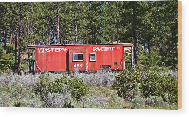 Caboose Wood Print featuring the photograph Cabin Car by Nick Kloepping