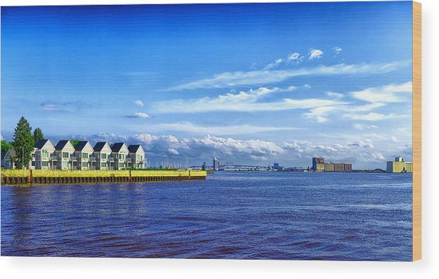 Duluth Wood Print featuring the photograph Duluth Minnesota Harbor by Linda Tiepelman