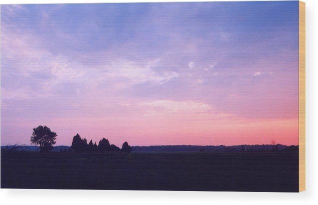 Sunset Wood Print featuring the photograph Ontario Sunset 3 by Lyle Crump