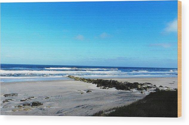 Beaches Wood Print featuring the photograph Beaches by Yvonne Aguero