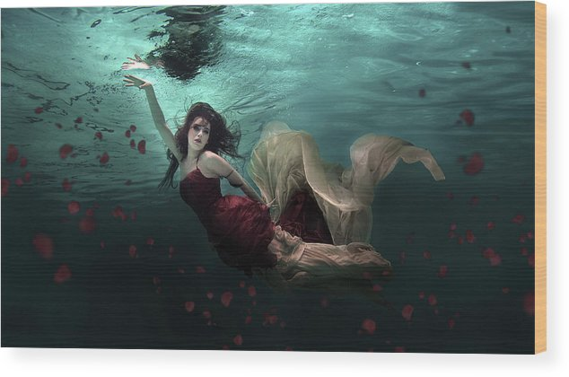 Underwater Wood Print featuring the photograph Ocean Of Roses by Martha Suherman