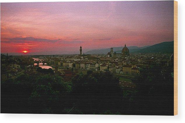 Ponte Vecchio Wood Print featuring the photograph Ponte Vecchio by David Lange