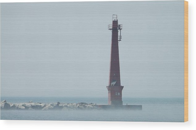 Muskegon Wood Print featuring the photograph Muskegon South Pierhead by Dennis Pintoski