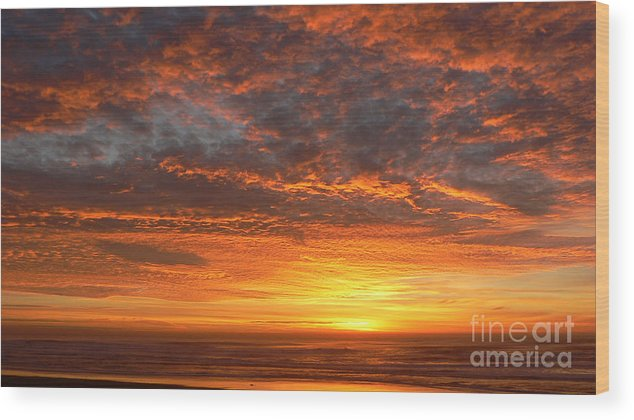 Northwest Wood Print featuring the photograph Red Skies At Night by Larry Keahey