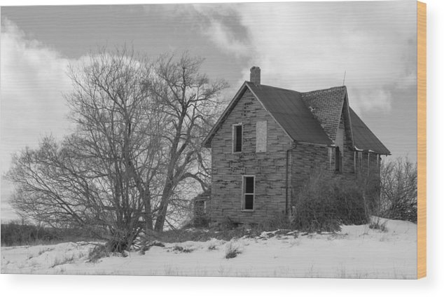 Abandoned Wood Print featuring the photograph Farmhouse Black And White by Richard Kitchen