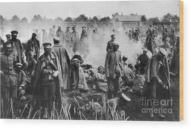 1914 Wood Print featuring the photograph World War I: Russians 1914 by Granger