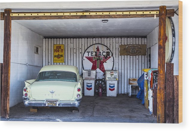 Route 66 Wood Print featuring the photograph Garage 2 by Angus Hooper Iii