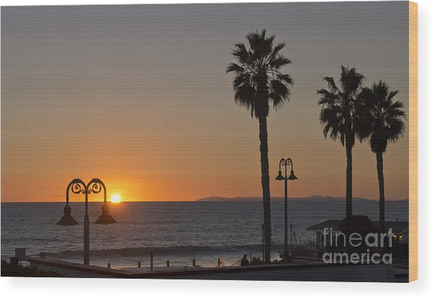 San Clemente Sunset Wood Print featuring the photograph San Clemente Sunset by Loriannah Hespe