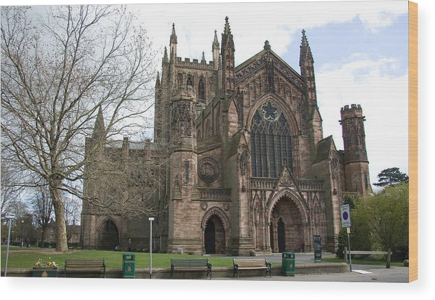 Cathedral Wood Print featuring the photograph Hereford Cathedral England by Bob Kemp