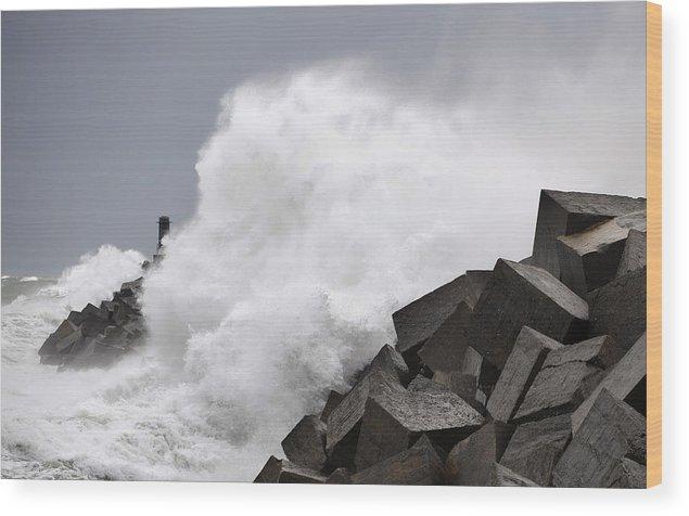 Spain Wood Print featuring the photograph Big Waves II by Rafa Rivas