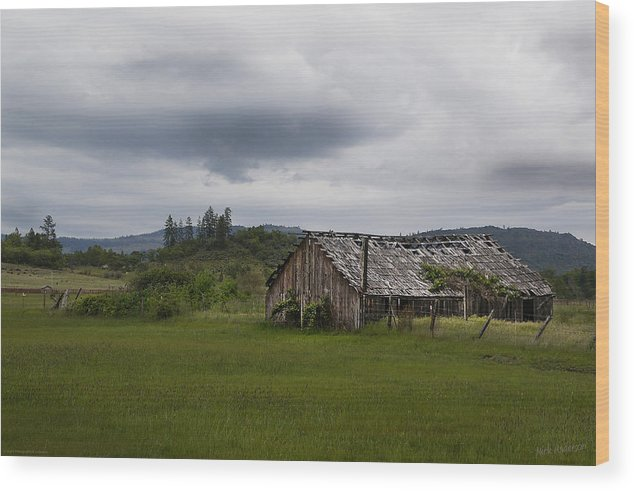 Barn Wood Print featuring the photograph Barn Near Shady Cove by Mick Anderson