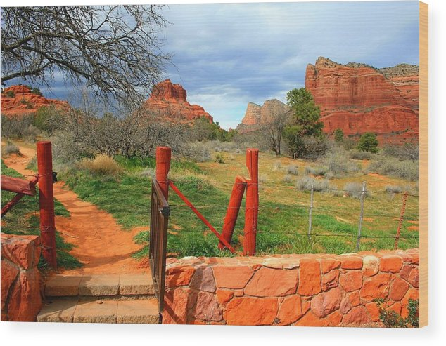 Arizona Wood Print featuring the photograph Enter Red Rock Country by Miles Stites