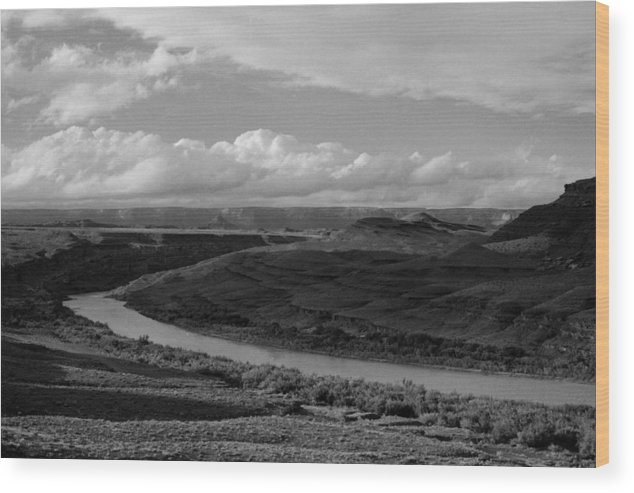 Black And White Wood Print featuring the photograph San Juan River Utah by Troy Montemayor