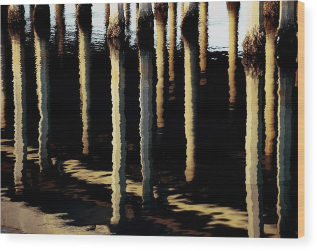 Ocean Wood Print featuring the photograph Reflections In Ocean by Alfredo Martinez