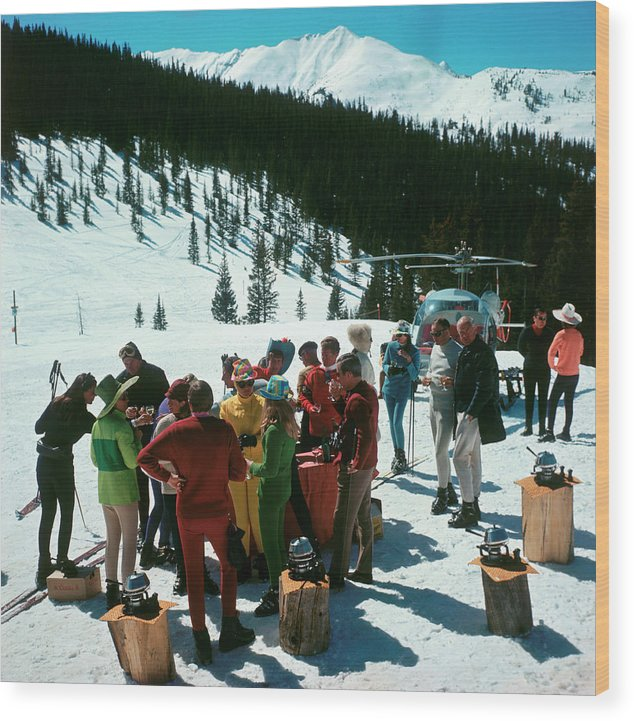 Skiing Wood Print featuring the photograph Snowmass Picnic by Slim Aarons