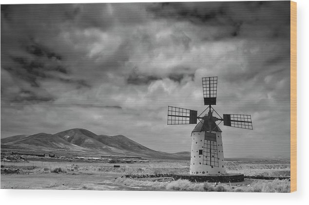 Tranquility Wood Print featuring the photograph Molino De Cotillo by Martin Zalba