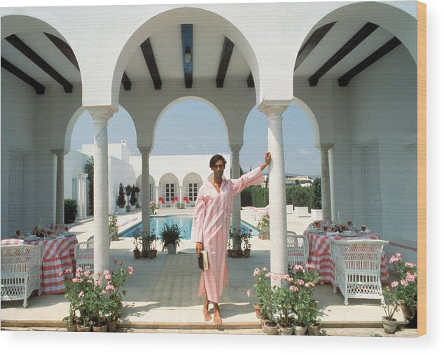 Arch Wood Print featuring the photograph Villa In Sotogrande by Slim Aarons