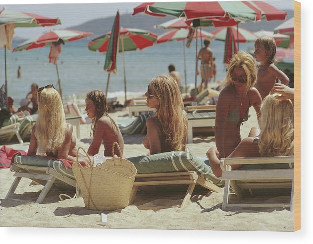 Child Wood Print featuring the photograph Saint-tropez Beach by Slim Aarons