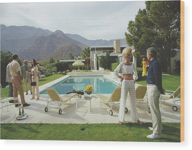 People Wood Print featuring the photograph Kaufmann Desert House by Slim Aarons