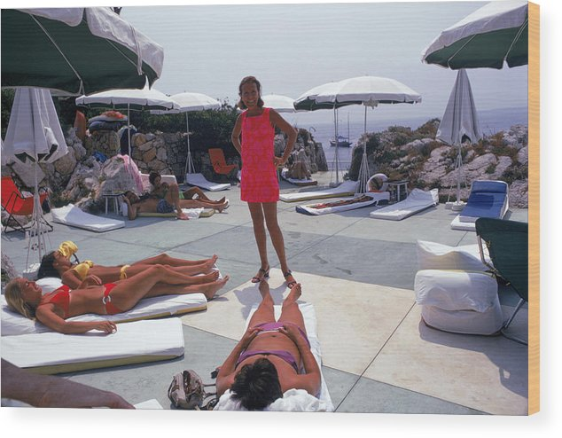 People Wood Print featuring the photograph Eden Roc Beach Club by Slim Aarons