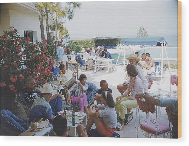 1957 Wood Print featuring the photograph Riviera Crowd by Slim Aarons