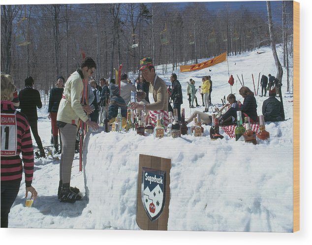 People Wood Print featuring the photograph Sugarbush Skiing by Slim Aarons